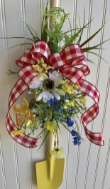 Pretty Summer Wreaths Decor Ideas That Looks Cool 21