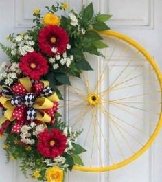 Pretty Summer Wreaths Decor Ideas That Looks Cool 22