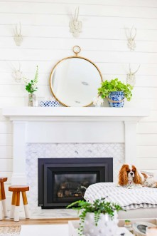 Unique Summer Mantel Decorating Ideas To Try 23