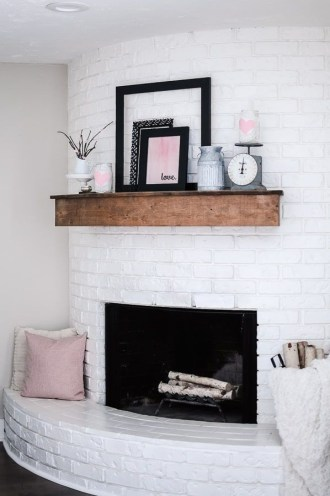 Unique Summer Mantel Decorating Ideas To Try 43