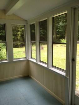 Adorable Green Porch Design Ideas For You 16