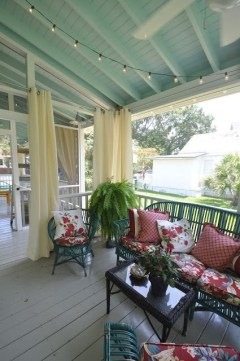Adorable Green Porch Design Ideas For You 31