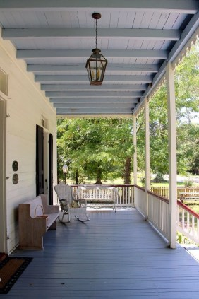 Adorable Green Porch Design Ideas For You 41