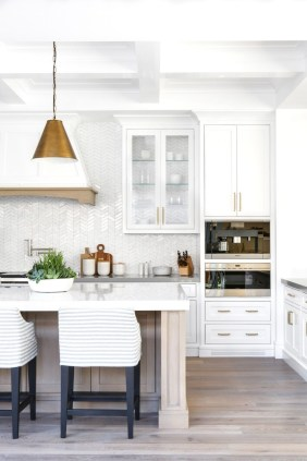 Affordable Traditional Kitchen Ideas To Try Right Now 16