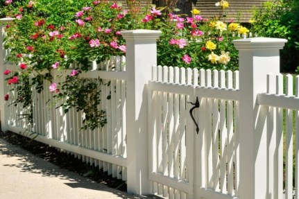 Hottest Fence Design Ideas That You Can Try 08