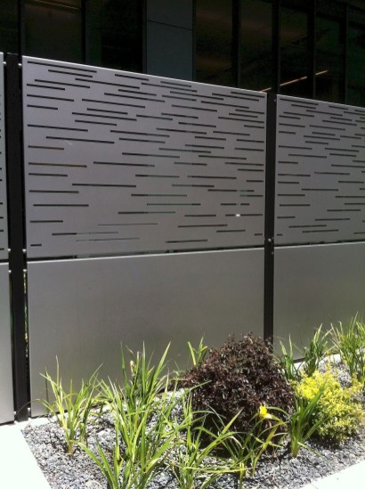Hottest Fence Design Ideas That You Can Try 23