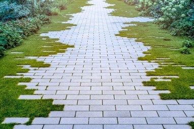 Newest Green Grass Design Ideas For Front Yard Garden 04