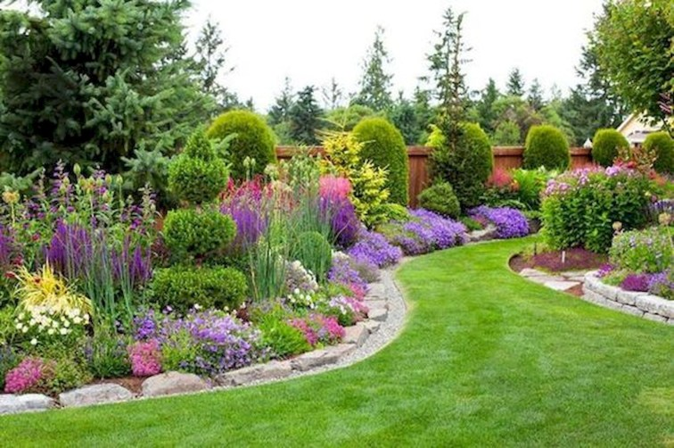 Pretty Front Yard Landscaping Design Ideas For You 13