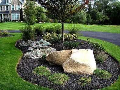 Pretty Front Yard Landscaping Design Ideas For You 23