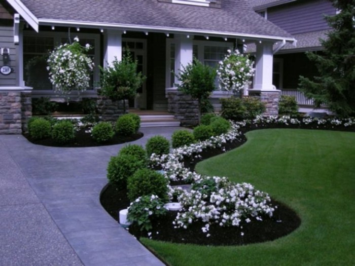 Pretty Front Yard Landscaping Design Ideas For You 37