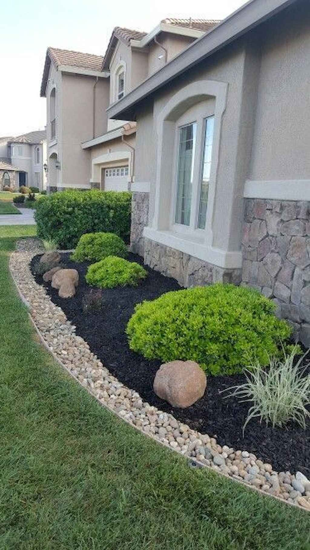 Pretty Front Yard Landscaping Design Ideas For You 39
