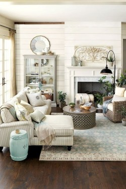 Unique Living Room Decoration Ideas For Spring On 38