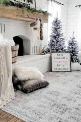 34Rustic Christmas Design Ideas For Your Apartment Décor To Try
