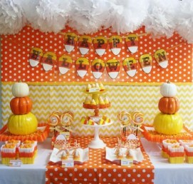 Admiring White And Orange Pumpkin Centerpieces Ideas For Halloween 09