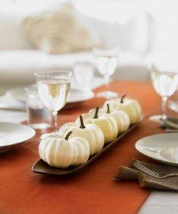 Admiring White And Orange Pumpkin Centerpieces Ideas For Halloween 16