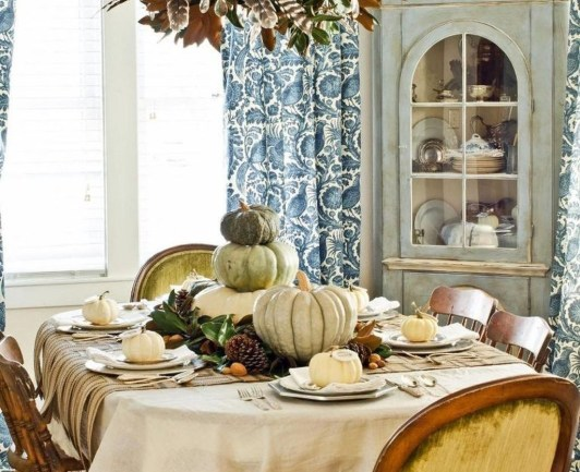 Admiring White And Orange Pumpkin Centerpieces Ideas For Halloween 28