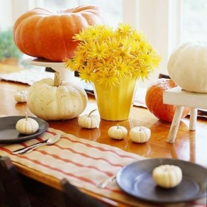 Admiring White And Orange Pumpkin Centerpieces Ideas For Halloween 31