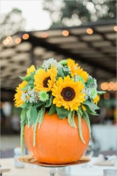 Admiring White And Orange Pumpkin Centerpieces Ideas For Halloween 44