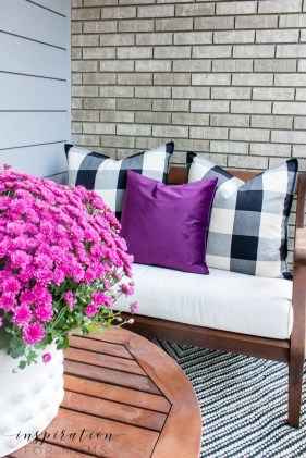Adorable Fall Diy Decorating Ideas For Patio To Try 09