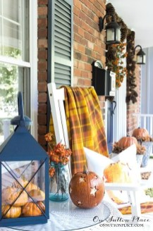 Adorable Fall Diy Decorating Ideas For Patio To Try 30