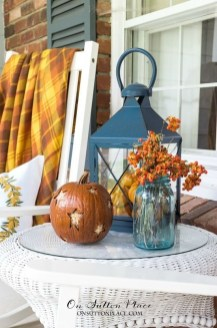 Adorable Fall Diy Decorating Ideas For Patio To Try 31