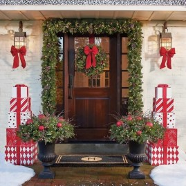 Captivating Diy Front Door Design Ideas For Special Christmas To Try 04