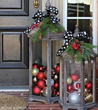 Captivating Diy Front Door Design Ideas For Special Christmas To Try 08
