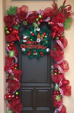 Captivating Diy Front Door Design Ideas For Special Christmas To Try 15