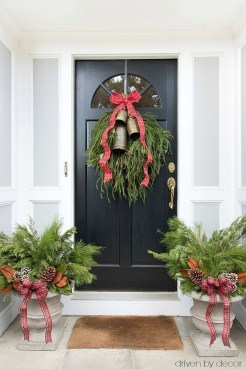 Captivating Diy Front Door Design Ideas For Special Christmas To Try 24