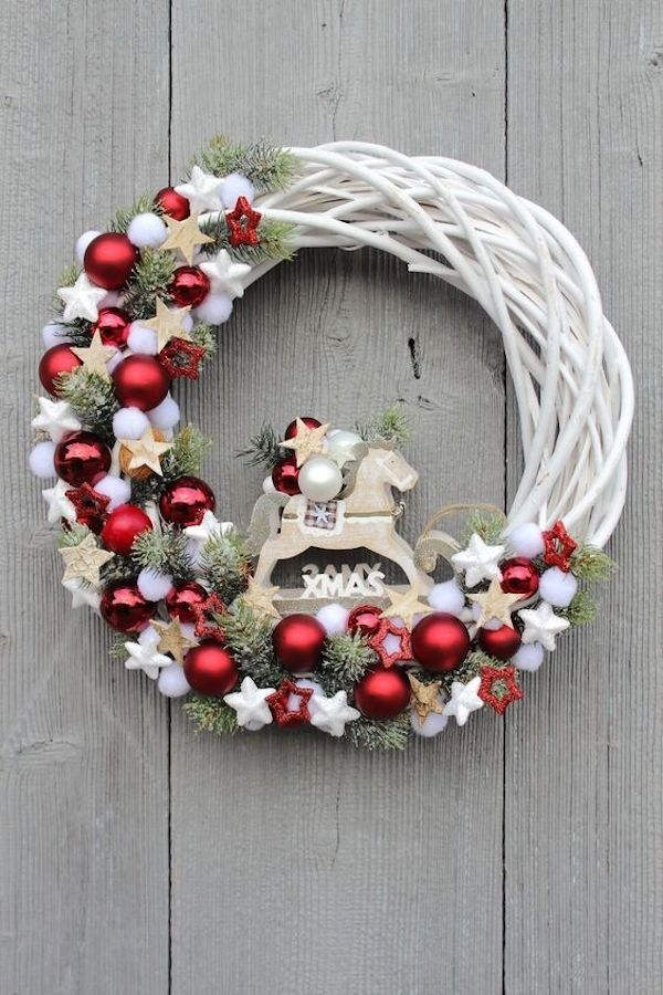 Captivating Diy Front Door Design Ideas For Special Christmas To Try 25