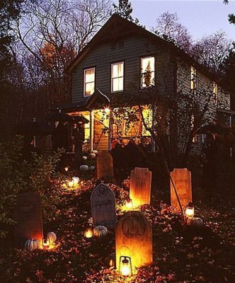 Casual Diy Outdoor Halloween Decor Ideas For Your Frontyard 05