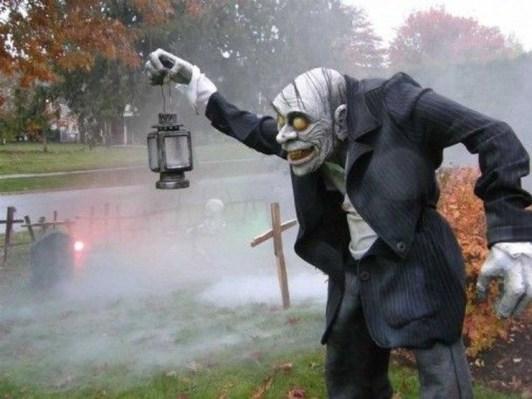 Casual Diy Outdoor Halloween Decor Ideas For Your Frontyard 06