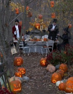 Casual Diy Outdoor Halloween Decor Ideas For Your Frontyard 28