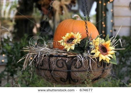 Casual Diy Outdoor Halloween Decor Ideas For Your Frontyard 38