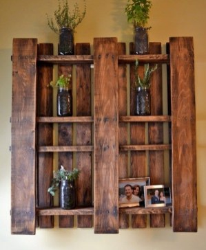 Cute Home Decor Ideas With Wooden Pallet That Looks Amazing 17