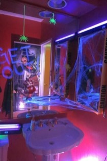 Delightful Halloween Decorating Ideas For Your Bathroom 32