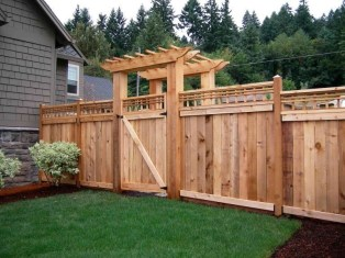 Extraordinary Front Yard Fence Design Ideas With Wood Material For Small House 22