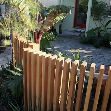 Extraordinary Front Yard Fence Design Ideas With Wood Material For Small House 45