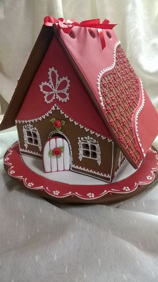 Fantastic Diy Gingerbread House Ideas For Your Décor To Try Asap 13