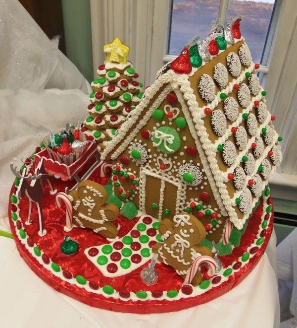 Fantastic Diy Gingerbread House Ideas For Your Décor To Try Asap 19