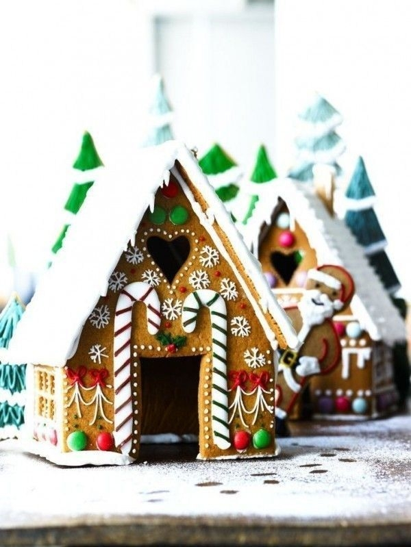 Fantastic Diy Gingerbread House Ideas For Your Décor To Try Asap 20