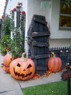 Favored Halloween Diy Pallet Outdoor Decor Ideas To Inspire You 08