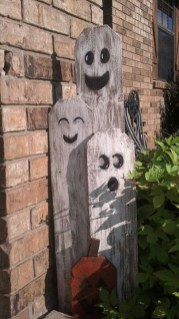 Favored Halloween Diy Pallet Outdoor Decor Ideas To Inspire You 21