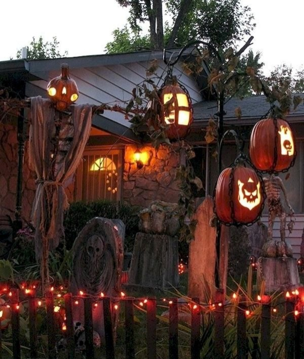 Favored Halloween Diy Pallet Outdoor Decor Ideas To Inspire You 38