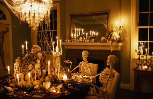 Relaxing Diy Halloween Living Room Decoration Ideas To Try 20
