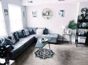 Relaxing Diy Halloween Living Room Decoration Ideas To Try 41