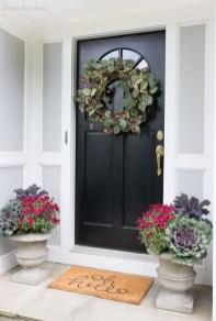 Splendid Wreath Designs Ideas For Front Door To Welcome Halloween 02