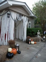Superb Front Yard Halloween Decoration Ideas To Try Asap 01