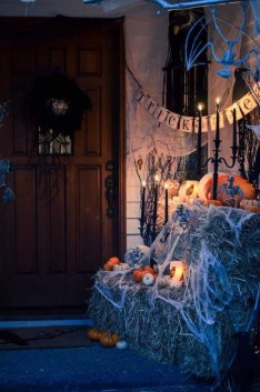 Superb Front Yard Halloween Decoration Ideas To Try Asap 06