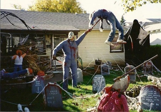 Superb Front Yard Halloween Decoration Ideas To Try Asap 10